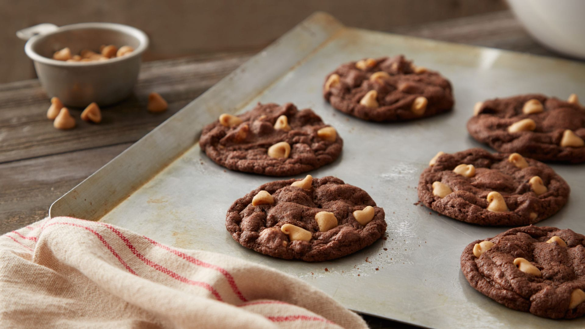 reeses chewy chocolate cookies with peanut butter chips